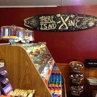 Снимок сделан в The Coffee Bean & Tea Leaf пользователем Melanie @. 9/21/2013