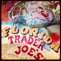 Снимок сделан в Trader Joe's пользователем Melanie @. 6/11/2013