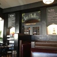 Photo prise au Le Grand Bistro & Oyster Bar par Amy L. le2/16/2013