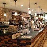 Foto scattata a Irving Farm Coffee Roasters da Mihee C. il 2/27/2013