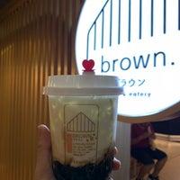 Foto scattata a Brown Café da Bennie14 il 11/3/2018