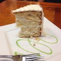 Das Foto wurde bei Upper Crust Pie & Bakery von Triangle Real Estate G. am 8/16/2013 aufgenommen