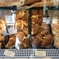 Das Foto wurde bei Bakery Nouveau von Khoa H. am 5/5/2013 aufgenommen