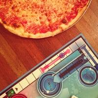 Foto scattata a Pizzeria Luigi da Ashlee W. il 7/26/2013