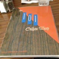 3/19/2013にIndigenous RobotがThe 101 Coffee Shopで撮った写真