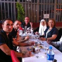 Photo prise au Altinkoza adana kebapcisi par Yılmaz T. le7/14/2013