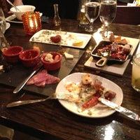 4/9/2013 tarihinde Vanessa C.ziyaretçi tarafından Ambar Balkan Cuisine'de çekilen fotoğraf