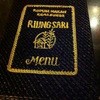 10/14/2013에 Laily L.님이 RM.Riung Sari Khas Sunda ™에서 찍은 사진
