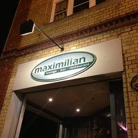 Photo prise au Maximilian lounge-bar-restaurant par Dongha L. le3/21/2013