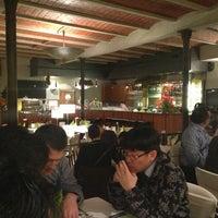 Photo prise au Maximilian lounge-bar-restaurant par Dongha L. le3/20/2013