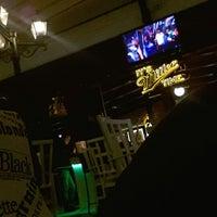 Photo prise au M Pub & Lounge par Murat İPEK le2/17/2013