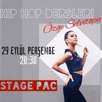 Photo prise au Stage Performing Arts Center par Özge S. le9/29/2016