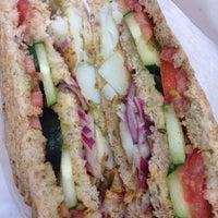 12/5/2013에 Fred S.님이 Bombay Sandwich Co.에서 찍은 사진