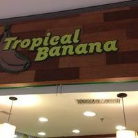 Foto tirada no(a) Tropical Banana por Álvaro d. em 2/24/2013