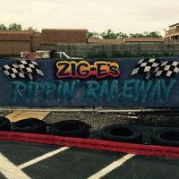Das Foto wurde bei Zig-E's Funland von Zig-E's F. am 9/20/2015 aufgenommen