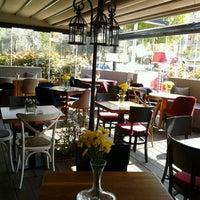 4/12/2013 tarihinde İsmail E.ziyaretçi tarafından Eat'n Joy Mangal'de çekilen fotoğraf