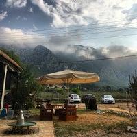 Das Foto wurde bei Azmakbasi Camping von Rıdvan O. am 8/27/2016 aufgenommen
