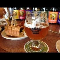 Снимок сделан в Cascade Brewing Barrel House пользователем Nicole M. 7/20/2013