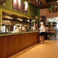 Foto tomada en Sprout Cafe por Bojan T. el 7/23/2013