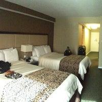 5/3/2013にcartoonztnz w.がThe Windsor Suitesで撮った写真