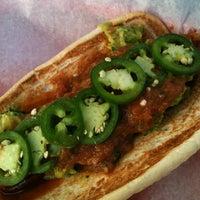 Foto tomada en Delia's Chicken Sausage Stand por BKP el 12/2/2012