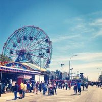 5/27/2013にChelsea D.がConey Island Beach & Boardwalkで撮った写真