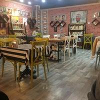 Ayisigi Cafe Kitap Fatih 180 Ziyaretcidan 3 Tavsiye