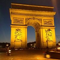 Foto tirada no(a) Arco do Triunfo por Yoshi S. em 6/30/2013