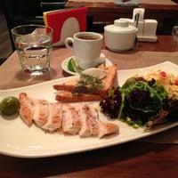 รูปภาพถ่ายที่ Moska Bar โดย Alex R. เมื่อ 7/15/2013