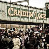 Снимок сделан в Camden Stables Market пользователем GowithOh 5/27/2013