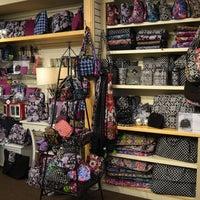 Foto tirada no(a) Apothecary Gift Shop por Apothecary Gift Shop em 12/24/2015