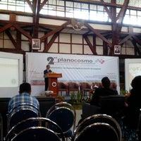 Das Foto wurde bei Aula Barat ITB von Dias P. am 10/21/2013 aufgenommen
