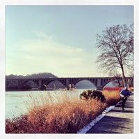Foto tomada en Georgetown Waterfront Park por Alexander P. el 1/28/2013