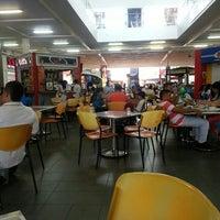 Foto tomada en Centro Comercial La Herradura por Cesar H. el 2/21/2013