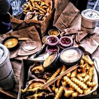 Foto scattata a Shake Shack da Soner I. il 12/26/2012