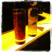 Снимок сделан в Meza Bar пользователем Pedro R. 2/25/2013