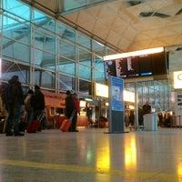 Foto tirada no(a) London Stansted Airport (STN) por Janis P. em 1/21/2013