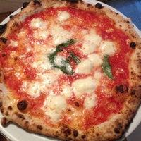 Photo prise au Sottocasa Pizzeria par Luca A. le7/28/2013