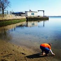 Das Foto wurde bei Castle Island von Krissy D. am 4/24/2013 aufgenommen