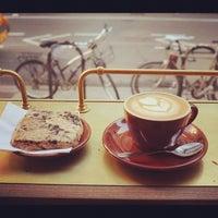Das Foto wurde bei Stumptown Coffee Roasters von Keong S. am 10/1/2012 aufgenommen
