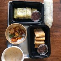 Photo prise au Ho Foods par Barb L. le11/4/2018