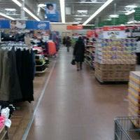 Foto scattata a Walmart Supercenter da Real 0. il 1/27/2013
