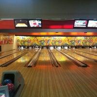 รูปภาพถ่ายที่ Rolling Ball Bowling โดย Güney Ç. เมื่อ 5/28/2013