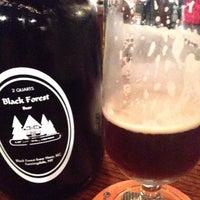 Foto tomada en Black Forest Brew Haus por Walt F. el 12/23/2014