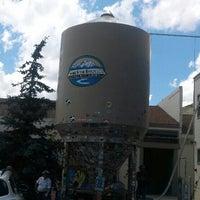 Foto diambil di Snake River Brewery & Restaurant oleh Suz G. pada 7/5/2013