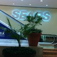 Foto tomada en Sears por Carlos O. el 3/14/2013