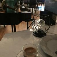 Das Foto wurde bei Rozana Lounge von Samah A. am 11/6/2017 aufgenommen