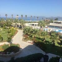 Foto tirada no(a) Palm Wings Ephesus Beach Resort & Spa por CemaL K. em 9/14/2017