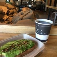 Снимок сделан в Vesta Coffee Roasters пользователем Nicole 6/14/2018