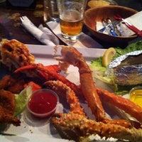 Foto diambil di King Crab Tavern & Seafood Grill oleh Kevin W. pada 8/10/2013